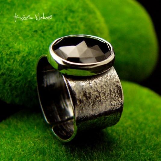 Pierścień Black – Gaia - Onyks Srebro
