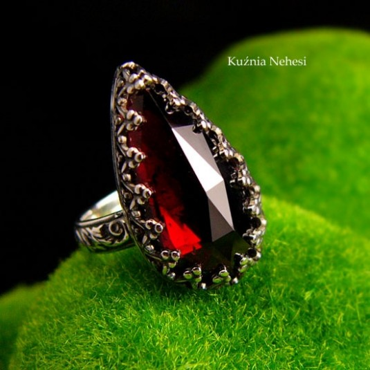 Pierścień Elf - Granat Almandyn Srebro Kropla