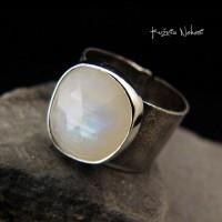 Pierścień Gaia Moon – Moonstone Srebro
